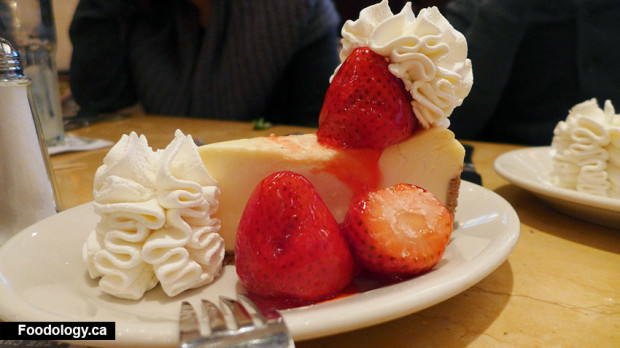 cheesecake-factory-strawberry