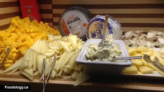 Bacchanal-Buffet-cheese