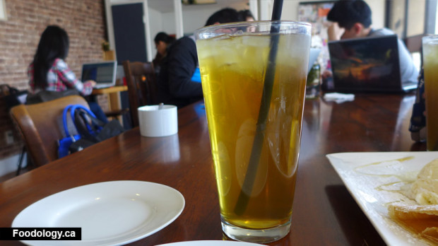 moii-cafe-honey-greentea