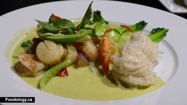 Urban-Thai-Bistro-Green-Curry