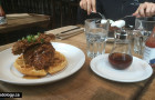Chewies Steam and Oyster Bar: Brunch Time in Coal Harbour