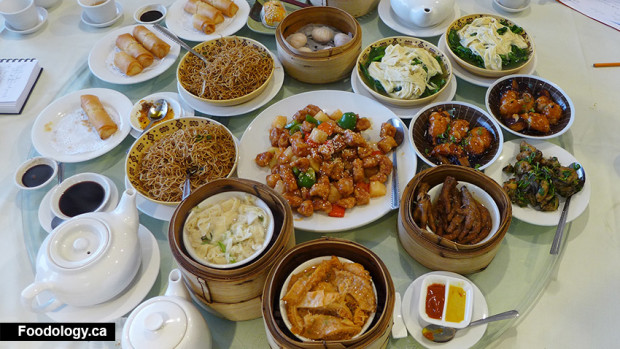 Golden-Paramount-Seafood-Restaurant-meal