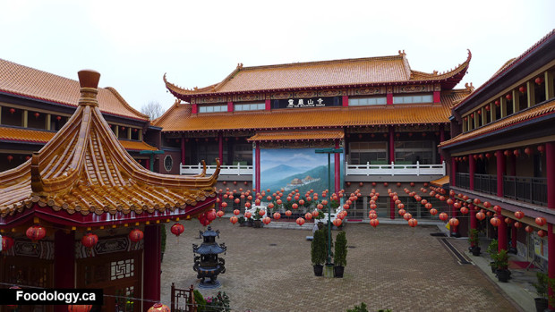 ling_yen_mountain_temple_otherside