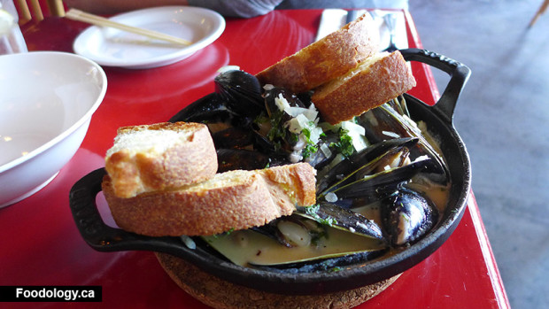 linh-cafe-mussels