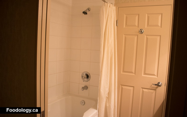 manteo-tub-shower